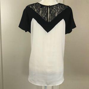 Ann Taylor Tops - Ann Taylor geometric deco style short sleeve top